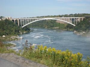 De brug naar the USA in volle glorie.