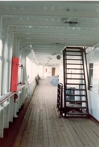 Georg Buchner '89  passagier deck in teakhout