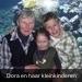 Dora en haar kleinkinderen