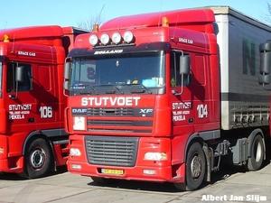 Stutvoet - Oude Pekela     106   en 104