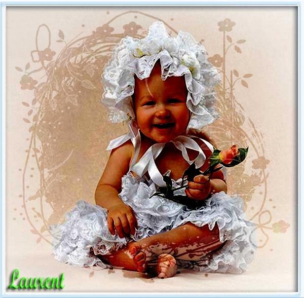 baby met roos