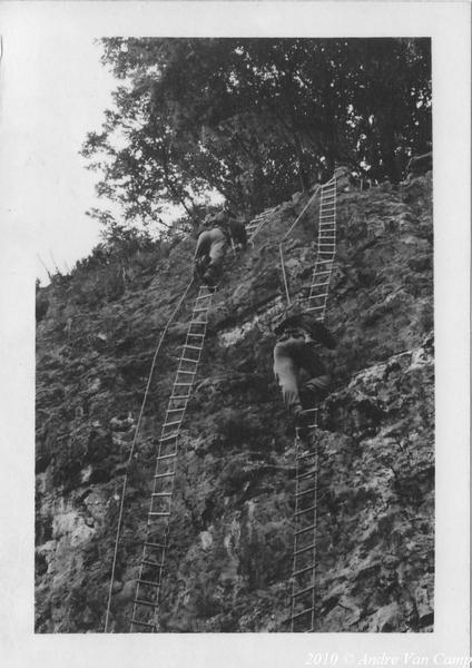 1966-09-25 Rotsbeklimming met ladder