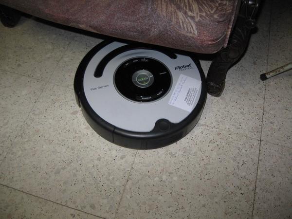 de Roomba Robot poetst het huis 008