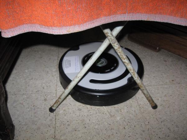 de Roomba Robot poetst het huis 009