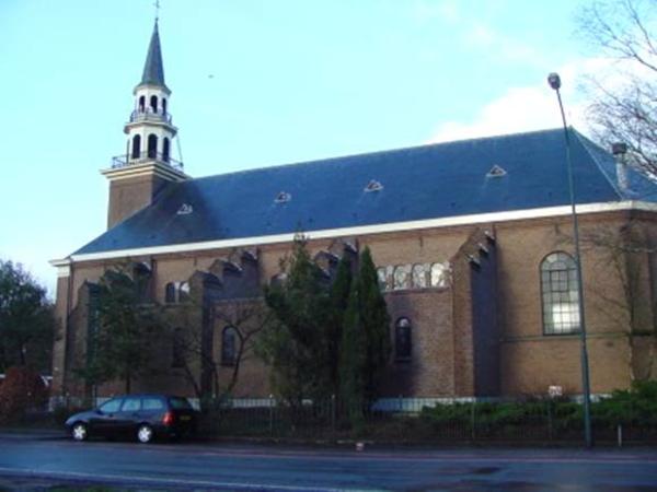 Hoofdweg - R.K. Kerk - Loenen 2007