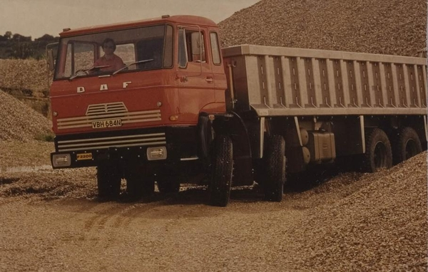 DAF-F2200DU 68x4 (GB)