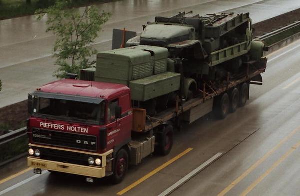 DAF-3300 PIEFFERS HOLTEN (NL)