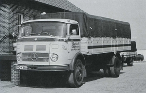 MERCEDES-BENZ LP1413