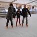 04) Veerle & Sarah met peter op ijspiste Halle