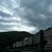 Zware wolken boven Lourdes