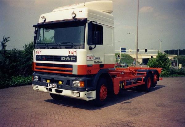 DAF-95 TNT DUIVEN (NL)