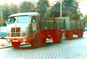 MERCEDES-BENZ LP334 (D)