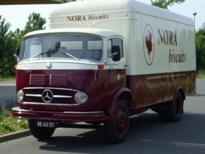 MERCEDES-BENZ NORA
