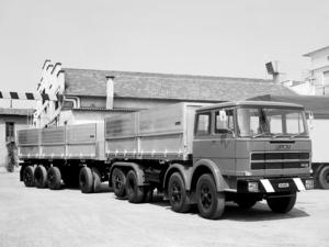 FIAT 8x2