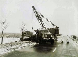 DAF 2600 van de weg geraakt