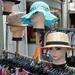 Chapeaux, Hoogstraat
