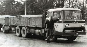 VB-63-42   Chauffeur Thomas van Achteren