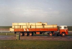 Scania Hout geladen