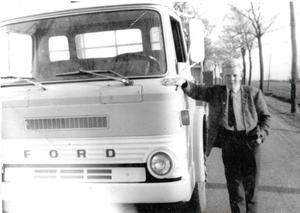 FordD 700