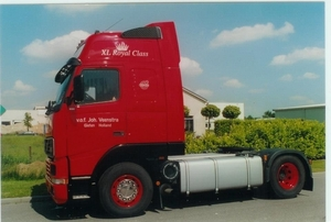 Een rode Volvo