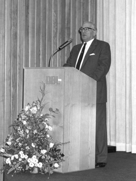 23 JR 1991 redevoering met minister Sauwens en F.Suykens Dir.gen.