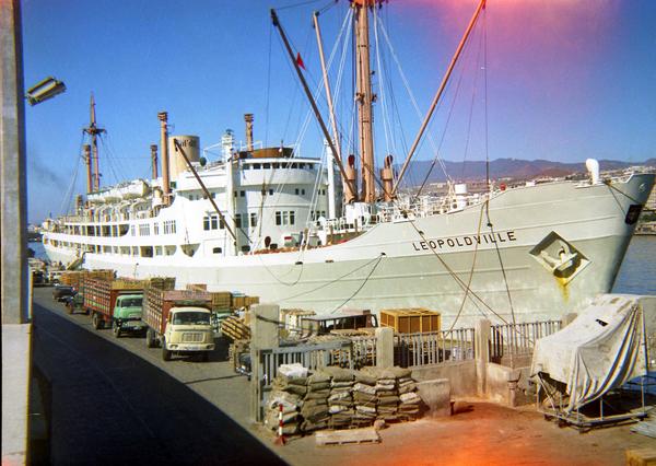 zusterschip Leopoldville aan de kaai in Teneriffe 1966