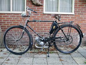 Zündapp Combimot 1953 op een Tripad fiets