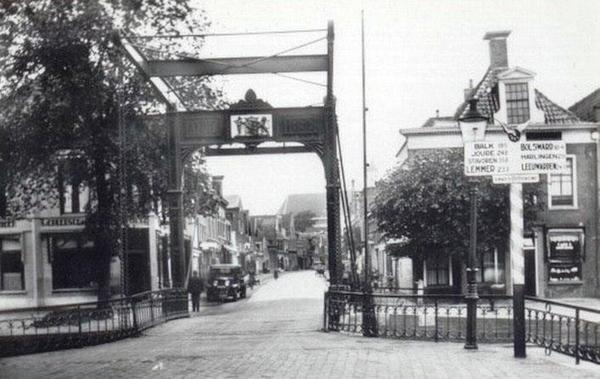 Mooi oud straatbeeld van Oosterlittens