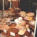 1SIMG1985 Rye etalage met gebakjes