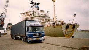 Containers laden Terminal Moerdijk