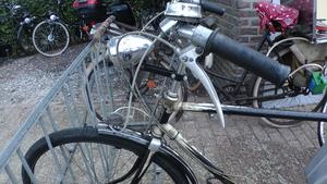 Zündapp op een Miele fiets