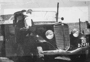 D-7451   International 1932