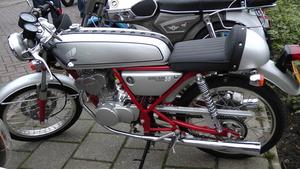 Honda 50 Dream van Piet Fransen