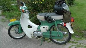 Honda C50 van Jacqueline Thielen