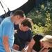 01) Met Olivier en Rosette de parasol in staander steken