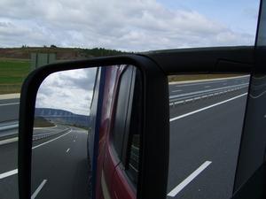 Brug bij Millau in de spiegel
