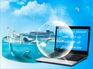 planeet-met-glazen-bol-en-laptop-klein-0