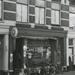 1957 Veenkade 4, café 't Pleintje (eigenaar N.B. Verhoeven)