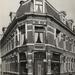 1950 Renbaanstraat 93; links de Maaswijkstraat.