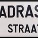 Straatnaambordje Madrasstraat.