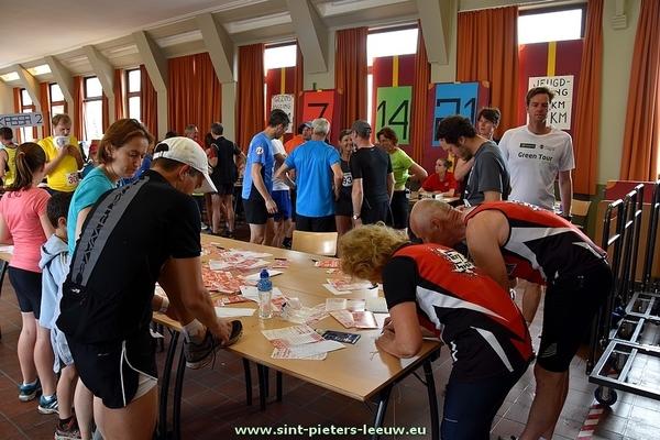 2016-06-12-aardbeienjogging_Vlezenbeek (03)
