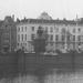 Buitenhof,gezien Lange Vijverberg.Hotel de Twee Steden