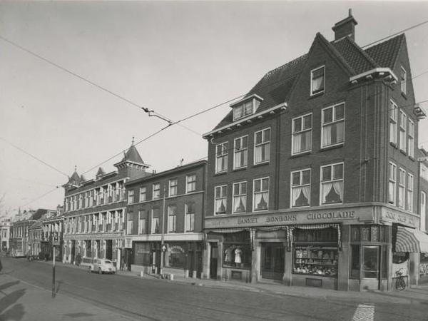 1954 Bij de Westermolens (voorheen Noord West Binnensingel) op de