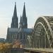 Keulen __Dom  _ zicht met brug  over de Rijn