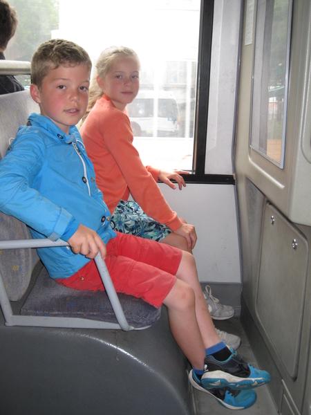 25) Op de bus naar Het Mas te Antwerpen
