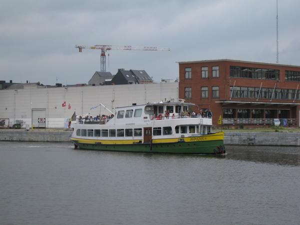 43) Wachten op de pannekoekenboot