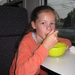 70) Jana eet mango