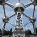 88) Kinderen aan het Atomium te Brussel