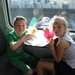 89) Fruit eten op de trein naar Aalst op 18 juli