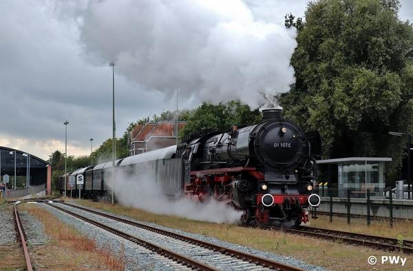 SSN 01 1075 bij vertrek uit Veendam 16-09-2017